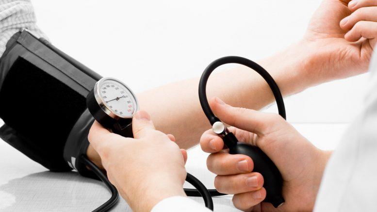 a só korlátozása magas vérnyomás esetén)